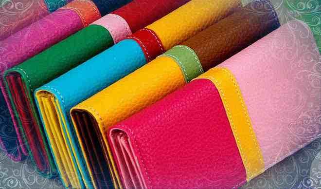 Бумажники разных цветов (фото)