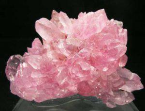 друза розового кварца