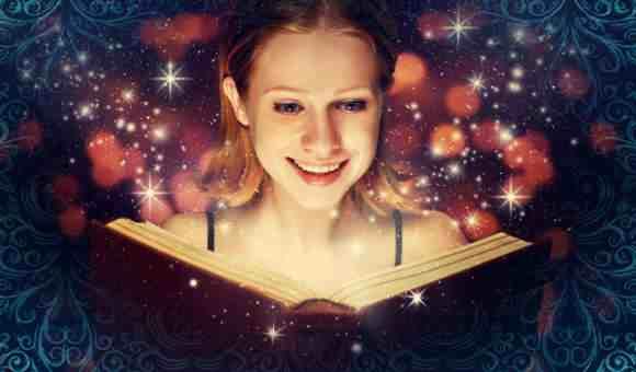 Девушка читает магическую книгу