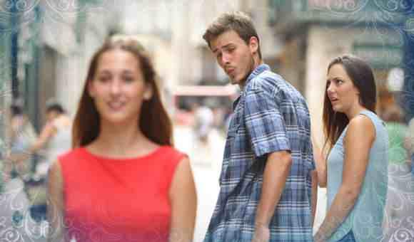 Парень посмотрел на другую девушку