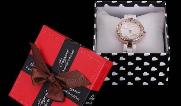 Почему не следует дарить часы, особенно близкому человеку?