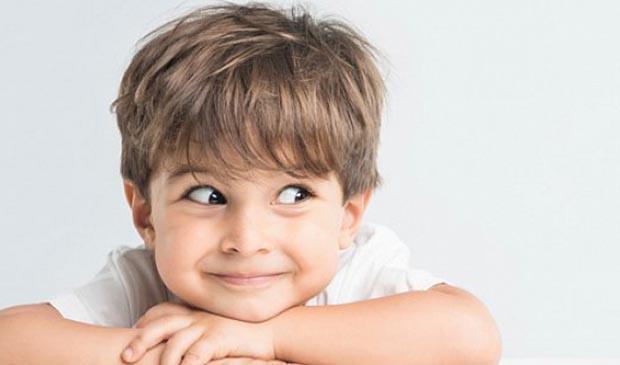 Маленький мальчик Елисей