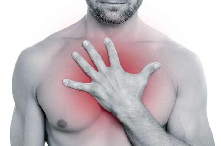 чешется мужская грудь